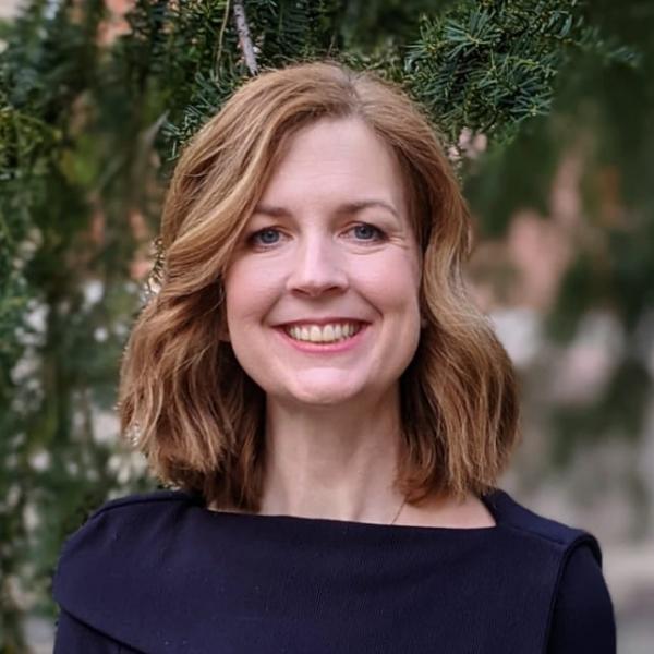 doc. Ing. Jana Tepperová, Ph.D. (FFÚ)